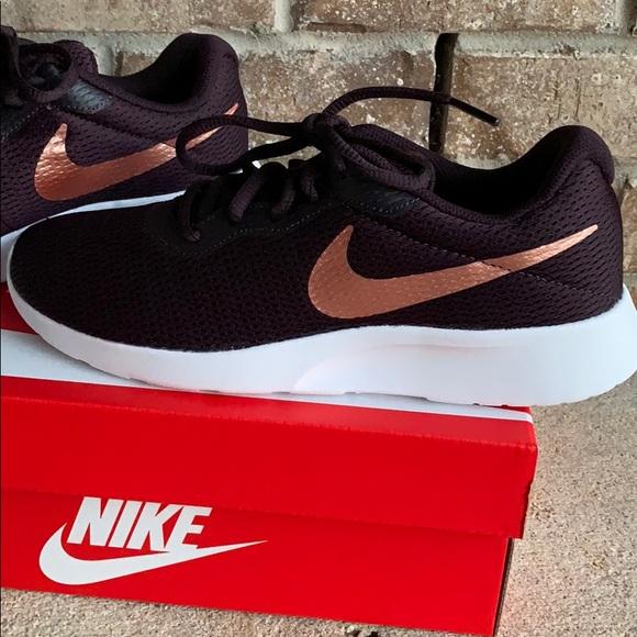 a6cd2444e92 Nike Tanjun Size 7.5. M 5bfdcb09bb76154e9657ead4